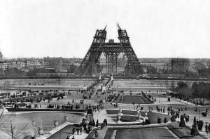 Torre Eiffel em Construção (1888)