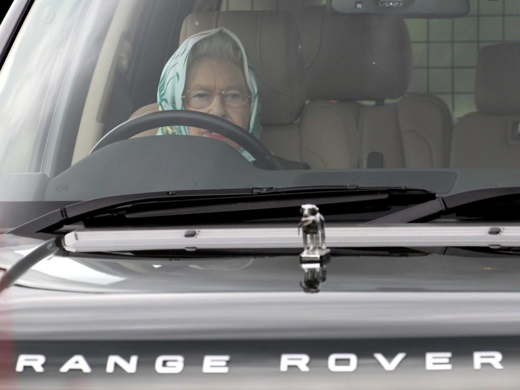 rainha dirigindo