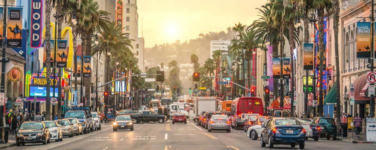 Los Angeles reabre para turismo