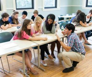 Alunos em sala de aula, fazendo intercâmbio nos EUA