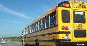 ônibus escolar no Canadá