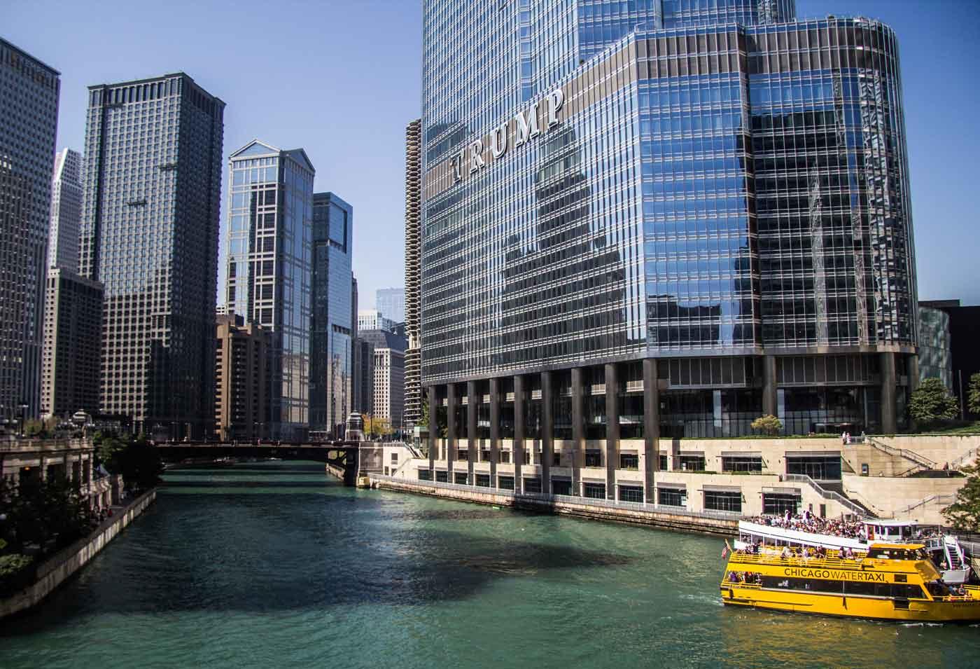 fachada do hotel Trump em Chicago