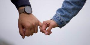 casal em relacionamento a distancia