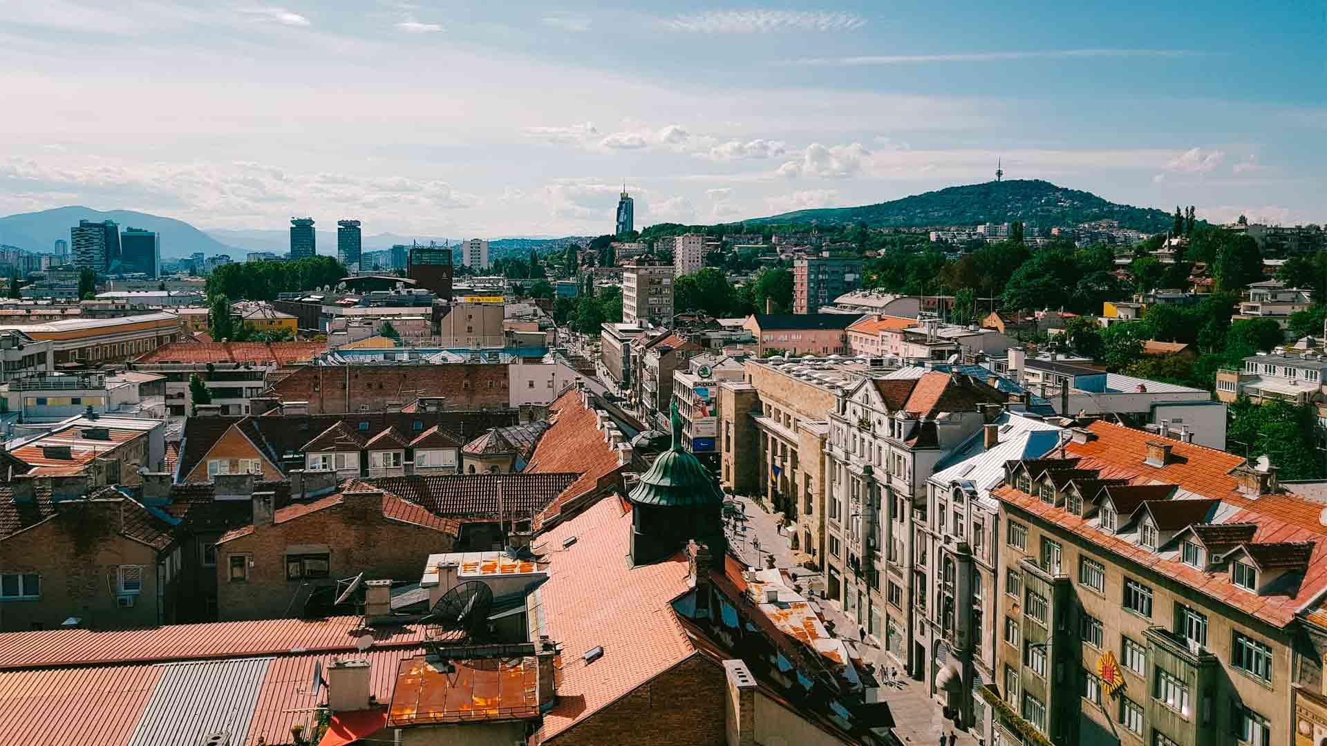 Vista de Sarajevo, capital de um dos países da Europa