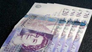 Notas de libra esterlina, moeda oficial do Reino Unido